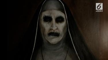 Film horor The Nun, akhirnya tayang di bioskop Tanah Air sejak Rabu (5/9/2018) kemarin. Dalam film ini, dihadirkan sekelumit cerita tentang masa lalu Valak sebelum berhadapan dengan Lorraine Warren. Nah, sebelum pergi ke bioskop, yuk kita simak 5 fak...