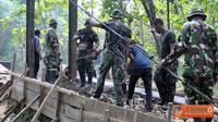 Citizen6, Madura: Pelaksanaan pekerjaan sasaran fisik TMMD ini akan dilaksanakan selama 21 hari, sejak 23 Mei dan berakhir 12 Juni 2012. Pembangunan Jembatan oleh Prajurit Korps Marinir itu, mendapat sambutan positif dari masyarakat Desa Blega Oloh. (Peng