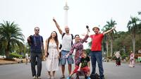 Enam traveller/social media influencer asal Turki menjelajahi keragaman wisata serta kebudayaan Tanah Air. (Dokumentasi KBRI Ankara)