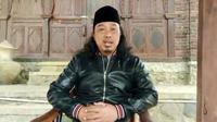 Pengasuh Pondok Pesantren Tanbighul Ghofilin Alif Baa, Mantrianom, Banjarnegara, Jawa Tengah, KH Khayatul Makky atau Gus Khayat. (Foto: Liputan6.com/Muhamad Ridlo)