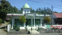 Masjid Imam Bonjol Lotta. (Liputan6.com/Yoseph Ikanubun)