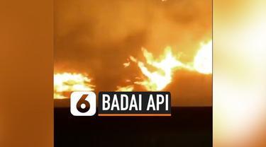 Bencana badai api menghanguskan ribuan hektare lahan di California. Akibatnya jatuh korban tewas hingga hangusnya puluhan rumah karena terbakar.