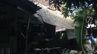 Warga BTN RK Makrif Dusun Rungkang, Desa Merembu, Lombok Barat, Nusa Tenggara Barat, tempat Cem tinggal banyak yang tinggal di tenda pengungsian. (Muhammad Kasim/Cem)