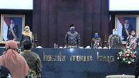 Rapat Paripurna di Kantor DPRD Jatim, Surabaya, Senin (13/4/2020). (Foto: Liputan6.com/Dian Kurniawan)