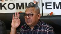 Ketua KPU Arief Budiman saat jumpa pers di kantor KPU, Jakarta, Minggu (8/7). KPU RI menerima hasil rekapitulasi perolehan suara dari 111 daerah yang menyelenggarakan pilkada 27 Juni. (Liputan6.com/Herman Zakharia)