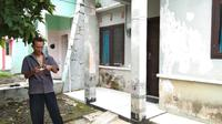 Inilah rumah kost Legiman, pengemis yang mengaku memiliki aset Rp 1,4 milyar. (foto: Liputan6.com / felek wahyu)