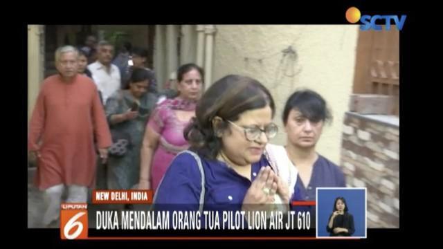 Kedua orang tua pilot Bhavye Suneja tengah bersiap berangkat ke Jakarta untuk mencari informasi terkait keselamatan anaknya.