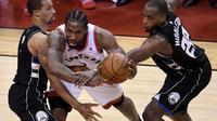 Kawhi Leonard (tengah) bawa Raptors ke final NBA (AP)