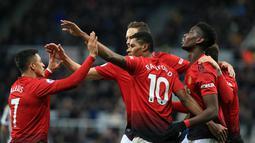 1. Manchester United - Todak adanya pemain sayap yang cepat membuat Man United harus segera menemukan solusinya. Arjen Robben dirasa pantas mengisi slot sayap tersebut. (AFP/Lindsay Parnaby)