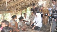 Mensos Khofifah berdialog dengan Orang Rimba Jambi. (Bangun Santoso/Liputan6.com)