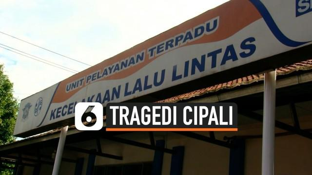 Polisi terus melakukan proses penyidikan terkait kasus kecelakaan maut di ruas Tol Cipali hari Senin (30/11) pagi. Dua orang sopir truk jalani pemeriksaan, bagaimana pengakuannya?