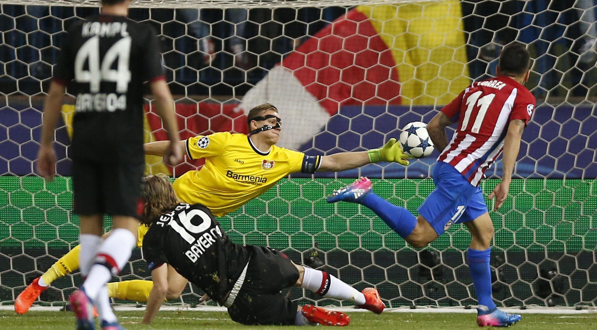 Kiper Leverkusen, Bernd Leno (AP/Daniel Ochoa de Olza)