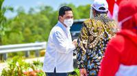 Menteri BUMN Erick Thohir hadir mendampingi Presiden Joko Widodo (Jokowi) dalam peresmian Jalan Tol Trans Sumatera (JTTS) ruas Sigli-Banda Aceh seksi 4 (Indrapuri–Blang Bintang). (Dok BUMN)