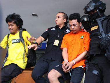 Raut Wajah Pembunuh Satu Keluarga di Bekasi