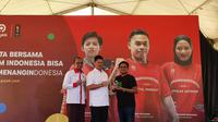 Sesmenpora, Gatot Dewa Broto, Ketua KOI, Raja Sapta Oktohari, dan Group Chief Marketing Officer Gojek, Ainul Yaqin. (Bola.com/Muhammad Adiyaksa).