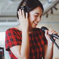 Dari Hobi Menyanyi, Cover Lagu Bisa Bawa Hoki Jutaan Rupiah!