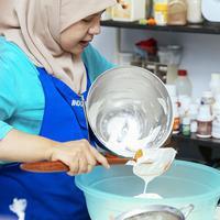 Nggak sekadar belajar masak, di Natural Cooking Club juga diajarkan untuk membuat masakan yang enak dan disukai oleh banyak orang. (Fimela.com/Nurwahyunan)