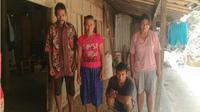 Salah satu keluarga penderita gangguan jiwa di Dukuh Ngringin, Dusun Temulus, Desa Keloran, Selogiri, Wonogiri, Minggu (29/7 - 2018). (Solopos/Rudi Hartono)