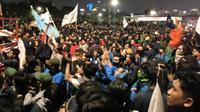 Aksi mahasiswa di depan gedung DPR menolak revisi UU KPK dan RUU KUHP, Senin (23/9/2019). (Liputan6.com/Ady Anugrahadi)
