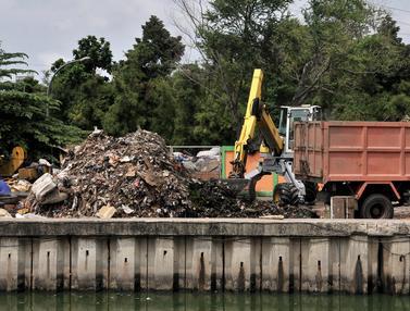 Proyek Pengolahan Sampah ITF Sunter Mangkrak