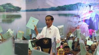 Jokowi Bagikan 124.120 Sertifikat Tanah Hasil Redistribusi di 26 Provinsi