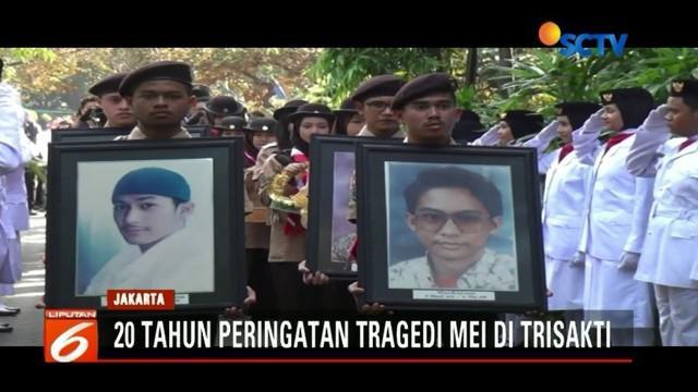 Civitas akademika Universitas Trisakti gelar upacara peringatan mahasiswa yang gugur dalam aksi unjuk rasa menentang pemerintah Orde Baru.