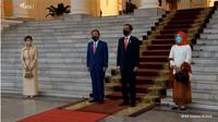 Anggunnya Iriana Pakai Hijab Merah Saat Dampingi Jokowi Bertemu PM Jepang. foto: Youtube 'Sekretariat Presiden'