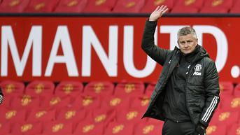 Eks Arsenal Sebut Solskjaer Beruntung Belum Dipecat MU