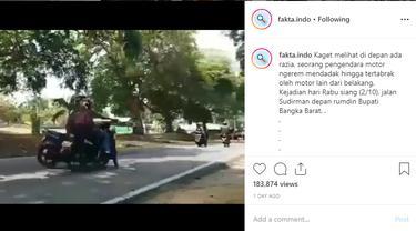 Seperti dilansir akun Instagram @fakta.indo, Jumat (4/10/2019), sebuah video memperlihatkan seorang pria berusaha menghindari razia dengan berputar arah di jalan menikung.