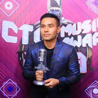 Virzha, Judika dan beberapa penyanyi hebat ramaikan SCTV Music Awards 2019. (Adrian Putra/Fimela.com)