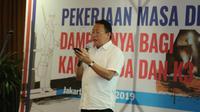 """Direktur Pengendalian Penggunaan Tenaga Kerja Asing Wisnu Pramono mewakili Menteri Ketenagakerjaan M Hanif Dhakiri pada seminar tentang """"Pekerjaan Masa Depan: Dampaknya Bagi Kaum Muda dan K3""""."""