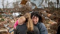 Ilustrasi kerusakan akibat Tornado yang menghantam Alabama. Saat ini proses pencarian korban masih dilakukan (AP Photo / David Goldman)