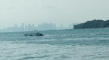 Pulau Belakang Padang berbatasan dengan Singapura yang berjarak kurang dari 12 Mill dari lepas Pantai. Liputan6.com/Ajang Nurdin