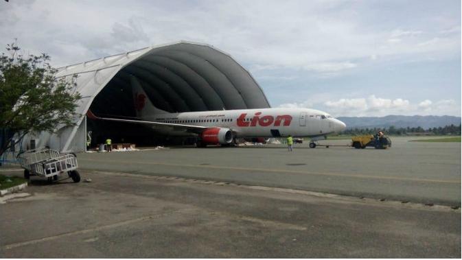 Pada April 2018, pesawat Lion Air Boeing 737-800 sempat tergelincir. Kini pesawat itu kembali dioperasikan. (Liputan6.com/Arfandi Ibrahim)