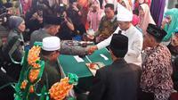 Ovie telah resmi menjadi seorang suami dengan menikahi wanita asal Pontianak, Kalimantan, bernama  Ria Trisni.
