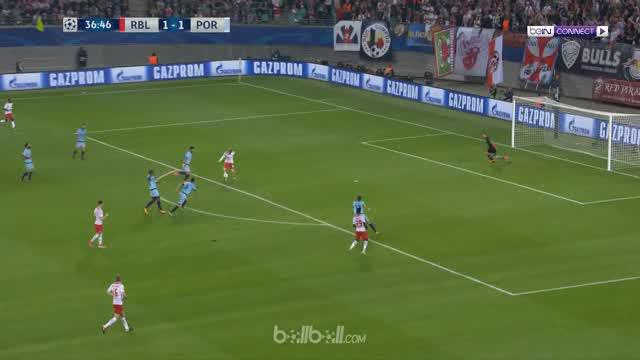 Berita video highlights Liga Champions 2017-2018 antara RB Leipzig melawan Porto dengan skor 3-2. This video presented by BallBall.