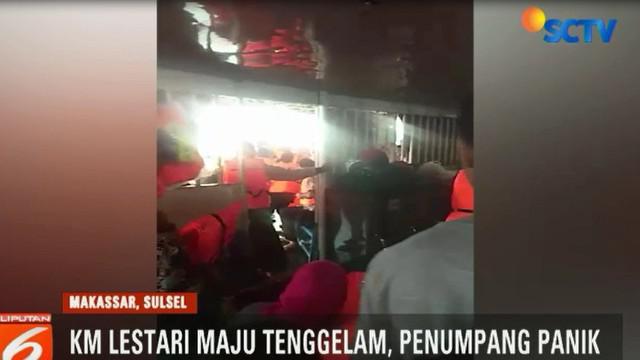 Video amatir ini merupakan detik-detik saat KM Lestari Maju, mengalami kebocoran pada Selasa siang.