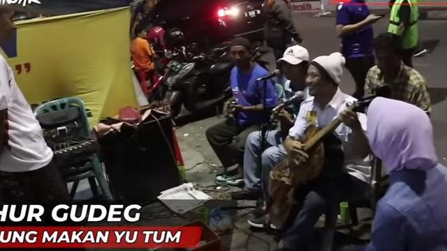 Gudeg Koyor Mbak Tum, Menu Sahur Semarangan ala Gubernur Ganjar