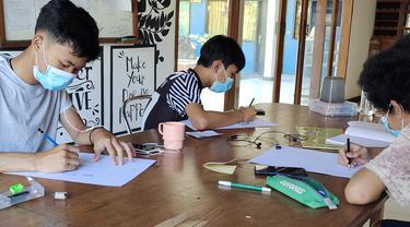 Pelatihan Keterampilan dan Kewirausahaan Guna Persiapkan Remaja Mandiri di Masa Pandemi