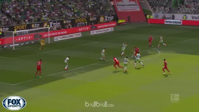 Wolfsburg terhindar dari degradasi langsung dan memaksakan laga playoff demi bertahan di Bundesliga usai meraih kemenangan telak 4...