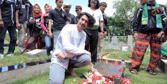 Kembali mewarnai dunia perfilman Indonesia, Reza Rahadian pun lagi-lagi memerankan tokoh terkenal. Dan kali ini ia didapuk menjadi Benyamin Sueb dalam filmnya yang berjudul Benyamin: Biang Kerok. (Deki Prayoga/Bintang.com)