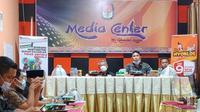 KPU Mamuju saat menerima kunjungan Anggota DPD Almalik Pababari (Foto: Liputan6.com/Istimewa)