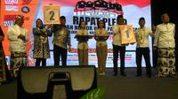 Hasil pengundian nomor urut pasangan calon pada Pilkada Kota Cirebon (Liputan6.com / Panji Prayitno)