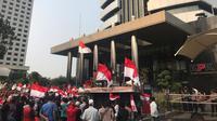 Demo Massa di depan Gedung Merah Putih KPK (Foto: Liputan6.com/Jagat Alfat Nusantara)
