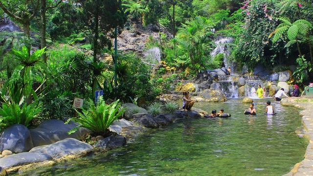 Wisata air panas Ciater