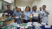 Barang bukti layanan medis ilegal yang dilakukan 2 WN China (Liputan6.com/Istimewa)