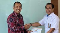 Heri Purnomo. Plt Deputi Pertambangan, Industri Strategis dan Media Kementerian BUMN memberikan SK pengangkatan Suryo Eko Hadianto sebagai Direktur Transformasi Bisnis MIND ID.