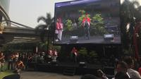 Inisiator acara Young Penting Indonesia, Arief Rosyid memberikan sambutan di Mal Kemang Village, Jakarta Selatan, Sabtu (13/9/2019). (Liputan6.com/Muhammad Radityo Priyasmoro)