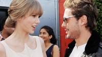 Banyak alasan mengapa Taylor Swift dan Zac Efron akan jadi pasangan Hollywood yang sangat serasi.