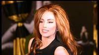 Lady Gaga sering tampil vulgar dalam konsernya.
